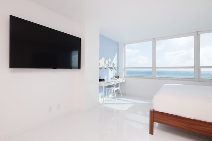 Oceanfront 16th Floor Brand New Beachfront Flat