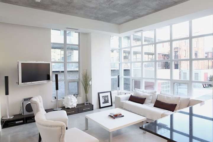 Boutique living - King West Central