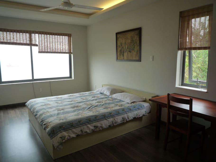 Large and quiet bedroom