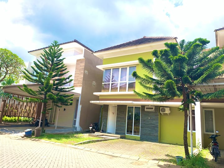 2 Bedroom House at Springhill Garden Malang
