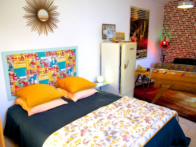 Chambre d 39 h tes insolite bed and breakfasts for rent in for Chambre d hotes boulogne