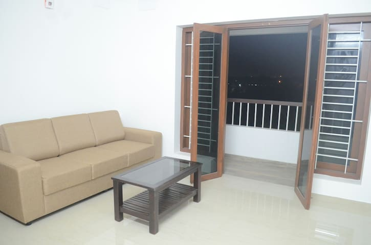Blackroots 2BHK Serviced Apartments - Coimbatore - Appartement