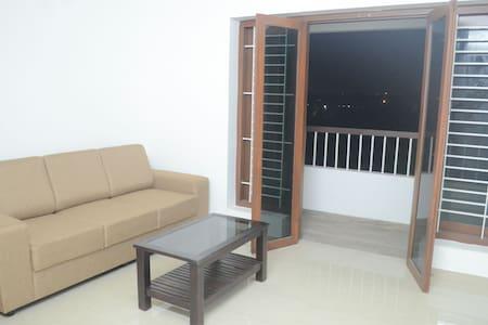Blackroots 2BHK Serviced Apartments - Coimbatore - Lakás