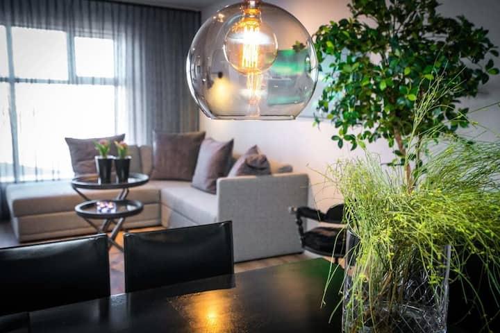 H96 Luxury Suite