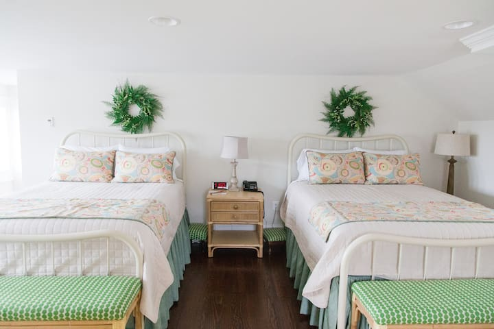 Bedroom Suite 320 - Inn at Evergreen