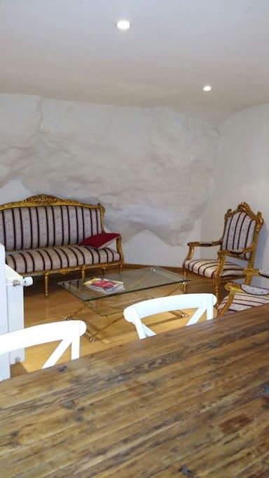 2e coin salon/salle à manger cosy à l'étage
