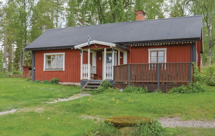 Stunning home in Runhällen with WiFi and 2 Bedrooms