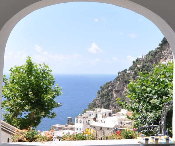 Positano Center - WiFi & A/C free -2 Bedr. 2 Baths - Positano