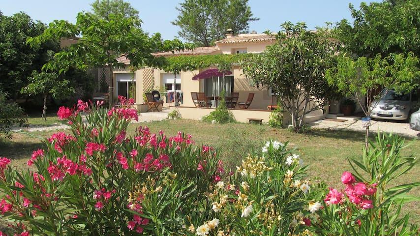 Belle maison provençale (100 m2) - Caromb - Talo