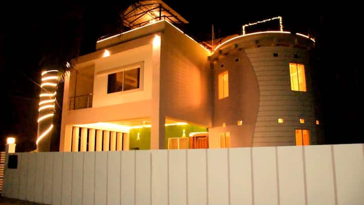 Luxury 3bhk villa with 2 Living rooms and Rooftop