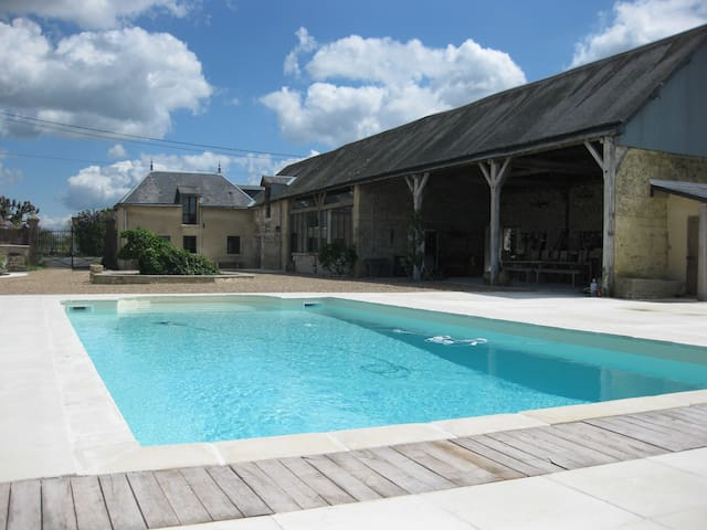 Entire farmhouse | Loire Valley | Sleeps 18 - Lémeré - House