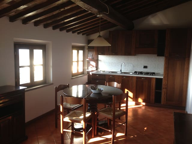 Nice Flat between Pisa and Florence - Montopoli - Departamento