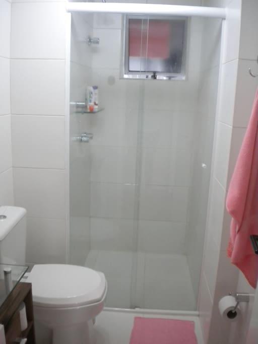 Banheiro (Com chuveiro a gás).