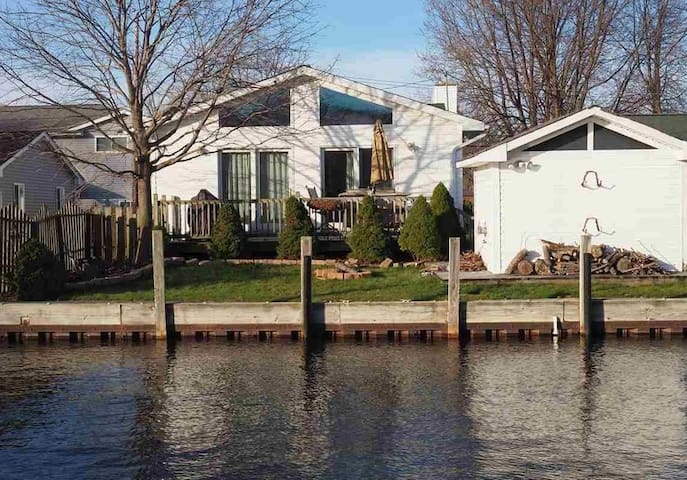 Charming Anchor Bay Canal Home on Lake St. Clair