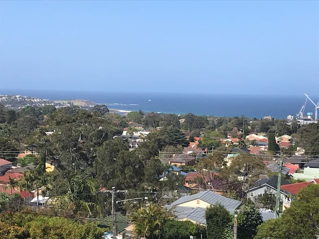 Stunning 2 bedroom apartment with views of Dee Why