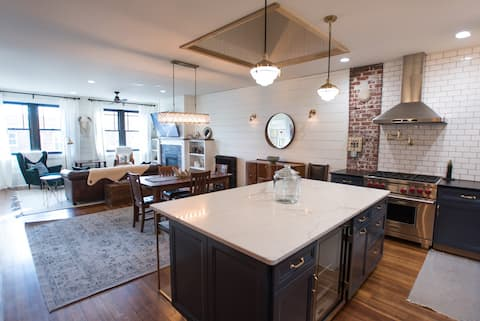 Newly remodeled loft in the heart of Decorah