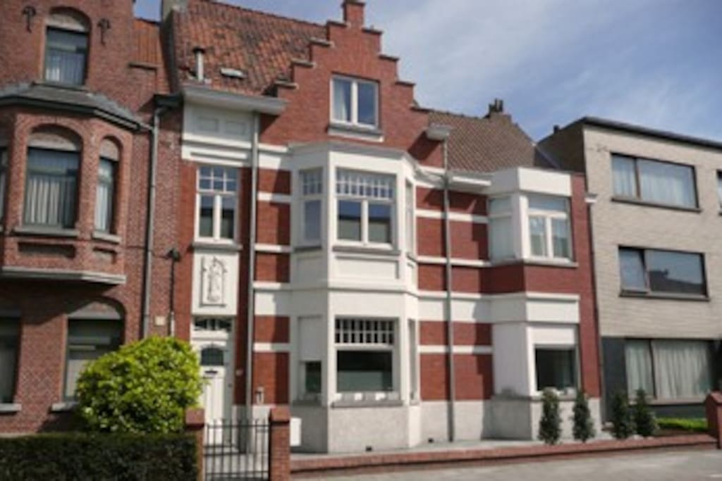 Biminthus bed and breakfast chambres d 39 h tes louer for Chambre d hote bruges