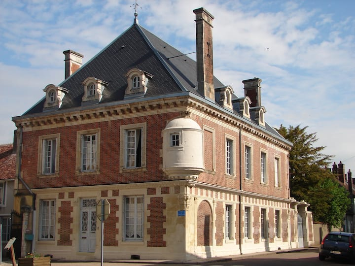Maison de l 'Amiral piscine. chambre+salle de bain