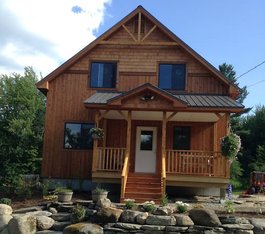 Bright and Comfortable Getaway in Elmore, VT - Wolcott - Huis