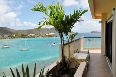 Oceanfront Apt with Panoramic Views - St. Thomas - Appartement