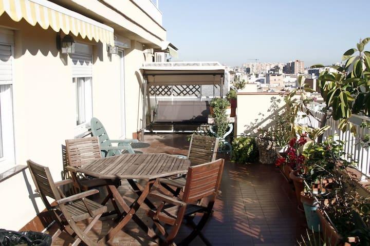 ATTIC/PENTHOUSE w/Terrace FIRA BCN