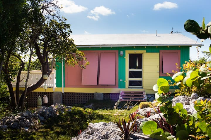 Surfer 39 s beach eleuthera bahamas houses for rent in for Beach houses for rent in bahamas