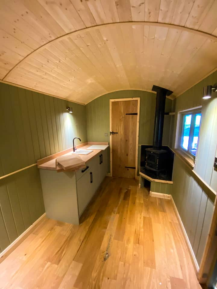 Luxury Shepherds Hut on 500 acre farm