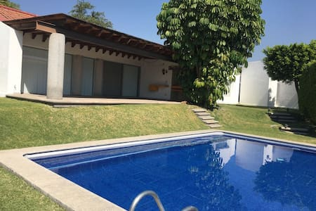 Casa completa para Descanso cerca de Rojo Azafrán - Xochitepec - Huis