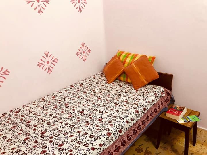 Shyam Sundar-Mandira's Home(Ethnic Homestay)WIFI
