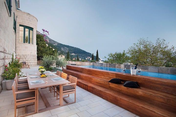 Boutique Villa Paulina - splendid Villa with pool