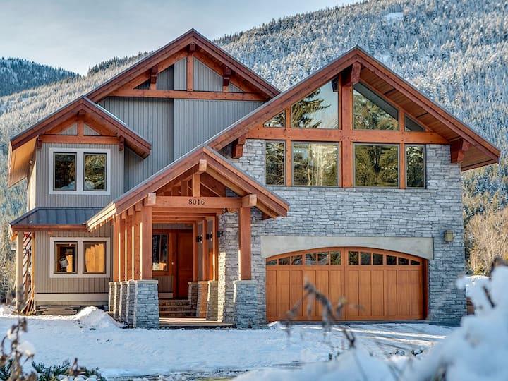 Whistler New Modern Luxury Home