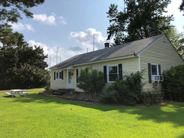 Deltaville River House