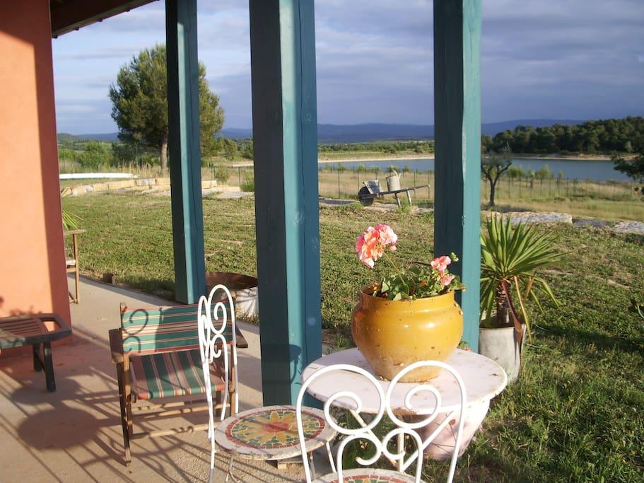 Terrasse privée avec vue sur le lac & les Pyrénées