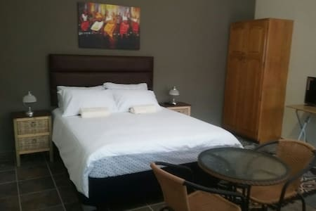 Quality affordable accommodation9 - 坎普敦公園(Kempton Park)