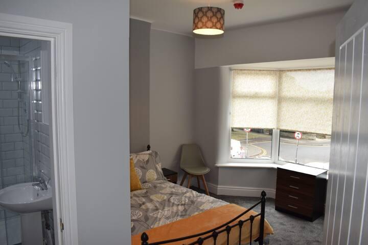 9 Luxury Ensuite Rooms
