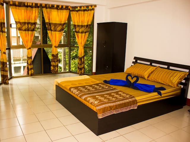 Superior Double Queen, Super Large Room Old Town. - Chiang Mai - Dormitorio