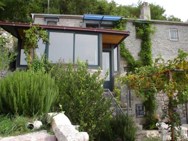 Stone house Mima, apart.2 - Budva - Rumah