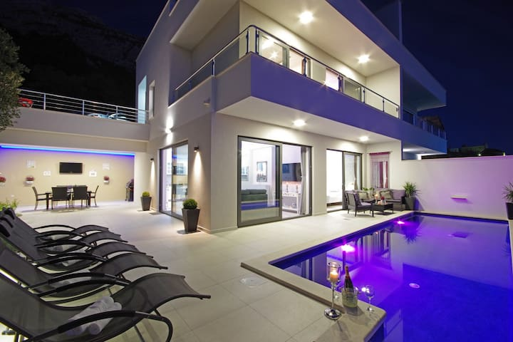 Holiday home Anja w/ heated private pool