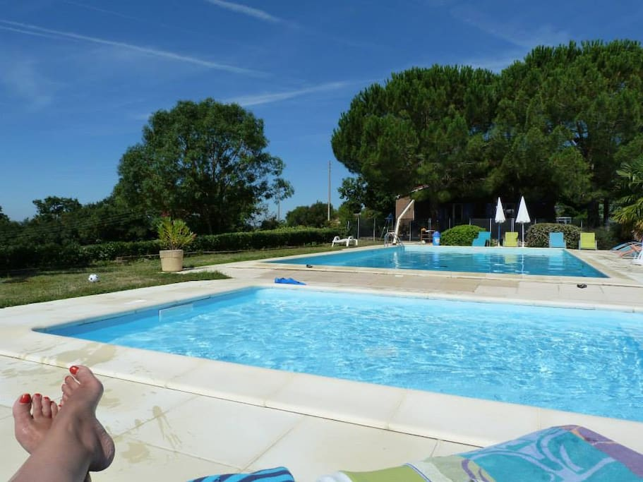 piscine avec 2 bassins et vue panoramique