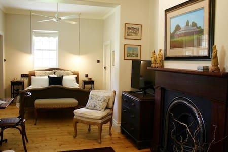 Birregurra 1865 B & B Pell Suite - Birregurra - ที่พักพร้อมอาหารเช้า