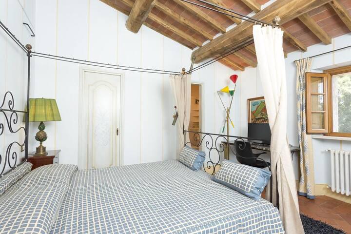 Private room/bathroom in Casale degli Ulivi B&B