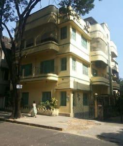 Premium Apartment in South Kolkata - Kolkata - Apartmen