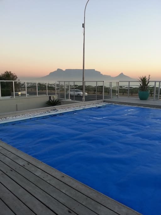 Table Mountain from the pool deck