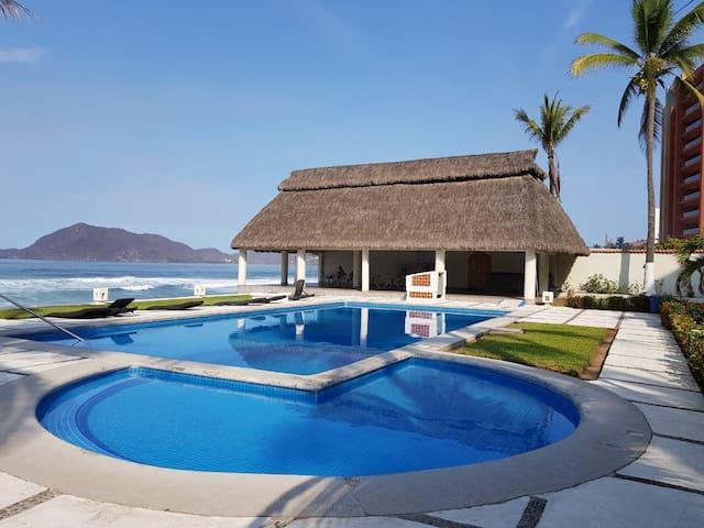 Depto privado con playa,  para max 10 personas.