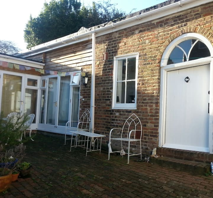 Charming cottage in the heart Lewes