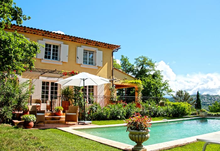 La bastide in the heart of Provence