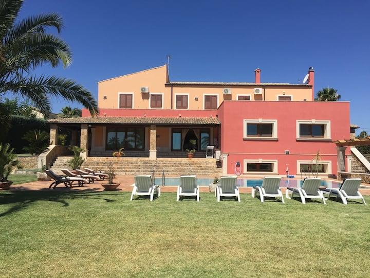 Luxury House Maremonti