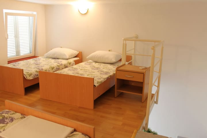 Studio H (4+1) - Novi Vinodolski - Apartment