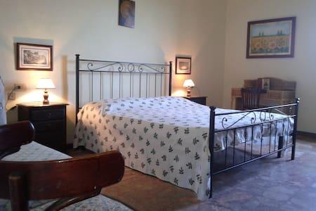 centro storico -appartamento ampio - Scarlino