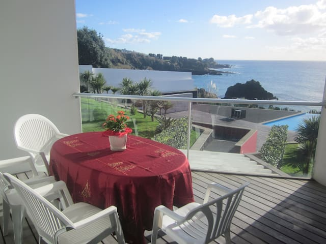 Two-Bedroom Apartment with Sea View - Vila Franca Do Campo - Daire